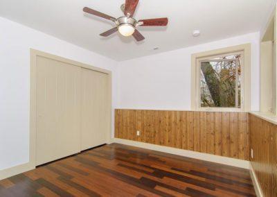 49-Greeley-St-Asheville-NC-large-011-Bedroom-1500x996-72dpi