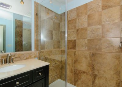 49-Greeley-St-Asheville-NC-large-012-Bathroom-1500x996-72dpi