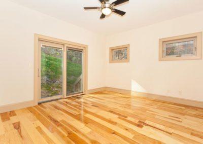 135-Spooks-Branch-Asheville-NC-large-016-Master-Bedroom-1500x1000-72dpi