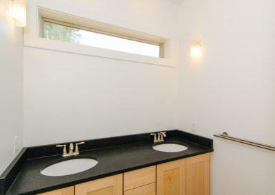 271-Waynesville-Rd-Asheville-large-013-Bathroom-1500x996-72dpi