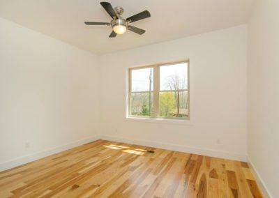 271-Waynesville-Rd-Asheville-large-015-Bedroom-1500x996-72dpi