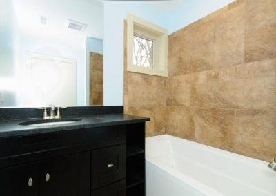 49-Greeley-St-Asheville-NC-large-020-Bathroom-1500x996-72dpi
