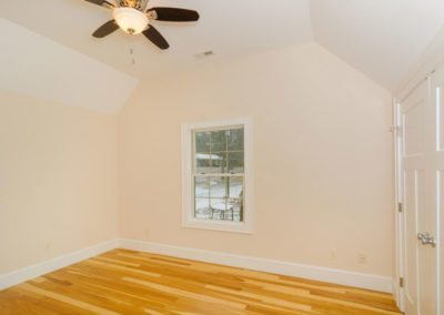 54-Sulphur-Springs-Road-large-020-Bedroom-1500x997-72dpi