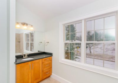 54-Sulphur-Springs-Road-large-024-Bathroom-1500x997-72dpi